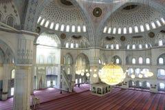 Binnen van Moskee Kocatepe in Ankara Turkije Stock Afbeelding