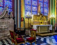 Binnen van Notre Dame de Paris Stock Fotografie