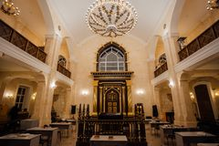 Binnen van Voronezh-Synagoge, geen mensen stock foto's