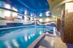 Binnen zwembad royalty-vrije stock fotografie