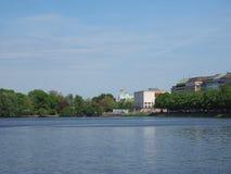 Binnenalster (lago interno Alster) a Amburgo Immagini Stock