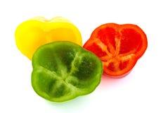 Binnendeel van verse rode, groene en gele peper Royalty-vrije Stock Afbeeldingen