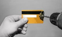 Binnendringend in een beveiligd computersysteem de borenhangslot van de creditcardfraude Royalty-vrije Stock Foto's