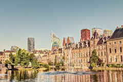 Binnenhof和地平线在海牙 免版税库存照片