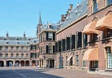 Binnenhof komplex i historisk mitt av Hague, Nederländerna Arkivbilder