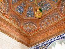 Binnenhuisarchitectuur in Bahia Palace van Marrakech Stock Afbeelding