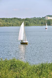 Binnenländische Bootfahrt Stockbild