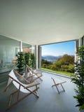 Binnenland, balkon die het meer overzien Stock Fotografie