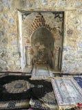 Binnenland dat van mihrab in een oude moskee in Taif, Makkah, Saudi-Arabië wordt geschoten Royalty-vrije Stock Foto's