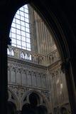 Binnenland de Kathedraal van Onze Dame van Chartres Stock Foto's