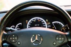 Binnenland (Designo) van gebruikte Mercedes-Benz-lange s-Klasse S350 (W221 Stock Foto's