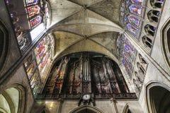 Binnenland en details van basiliek van heilige-denis, Frankrijk Royalty-vrije Stock Foto's