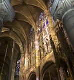 Binnenland en details van basiliek van heilige-denis, Frankrijk Stock Foto