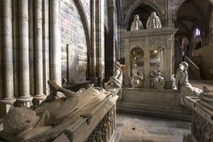 Binnenland en details van basiliek van heilige-denis, Frankrijk Stock Fotografie