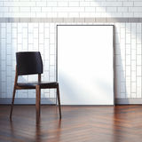 Binnenland met lege witte canvas en stoel het 3d teruggeven Stock Foto