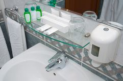 Binnenland van badkamers stock afbeeldingen