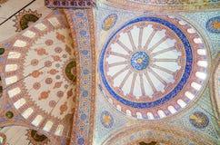Binnenland van beroemde Blauwe moskee in Istanboel, Turkije royalty-vrije stock foto