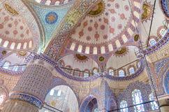 Binnenland van beroemde Blauwe moskee in Istanboel, Turkije royalty-vrije stock afbeelding