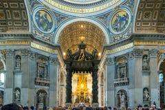 Binnenland van de Basiliek van Heilige Peter in Rome Royalty-vrije Stock Foto