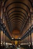 Binnenland van de Bibliotheek van de Drievuldigheidsuniversiteit, Dublin Stock Afbeelding