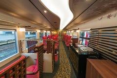 Binnenland van de de trein 2de auto van Hanayome Noren Royalty-vrije Stock Foto