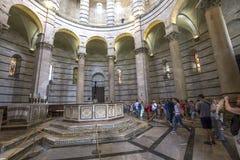 Binnenland van de Doopkapel van Pisa, Pisa, Italië Royalty-vrije Stock Afbeelding