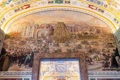 Binnenland van de galerij in de Musea van Vatikaan Stock Fotografie