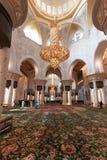 Binnenland van de Grote Moskee van Zayed van de Sjeik in Abu Dhabi (de V Royalty-vrije Stock Afbeeldingen