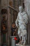 Binnenland van de kathedraalkerk royalty-vrije stock afbeelding