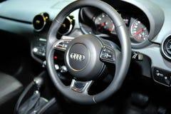 Binnenland van de nagelnieuwe vertoning van Audi A4 tijdens Singapore Motorshow 2016 Stock Afbeeldingen