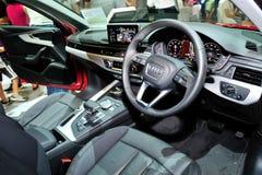 Binnenland van de nagelnieuwe vertoning van Audi A4 tijdens Singapore Motorshow 2016 Stock Foto's