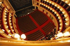 Binnenland van de Opera van de Staat van Wenen stock afbeelding