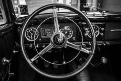 Binnenland van een auto Mercedes-Benz 220 van de ware grootteluxe `-Cabriolet een ` W187, 1951 Royalty-vrije Stock Afbeeldingen