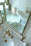 binnenland van een badkamers stock fotografie