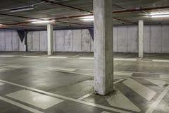 Binnenland van een leeg parkeren voor auto's Royalty-vrije Stock Fotografie