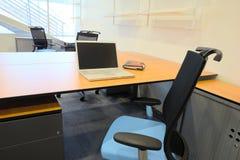Binnenland van een nieuw bureau Stock Foto