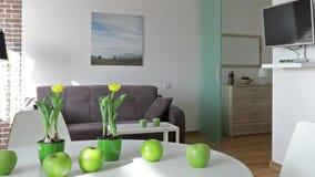 Binnenland van een nieuwe moderne flat in Skandinavische stijl Motiepanorama stock footage