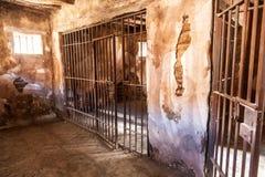 Binnenland van een oude gevangenis royalty-vrije stock foto's