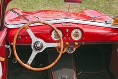 Binnenland van een uitstekende auto Fiat Siata Amica (1952) Royalty-vrije Stock Fotografie