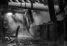 Binnenland van fabriek, donkere puinfabriek Stock Afbeeldingen