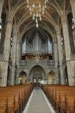 Binnenland van gotische kerk in Speyer met het pijporgaan royalty-vrije stock afbeeldingen
