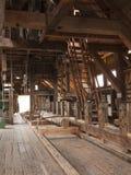 Binnenland van historische zaagmolen stock afbeelding