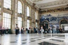 Binnenland van Hoofdzaal van Sao Bento Railway Station in Porto stock fotografie