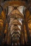Binnenland van Kathedraal van het Heilige Kruis en de Heilige Eulalia, op 31 Maart, 2013 in Barcelona, Spanje Stock Afbeeldingen