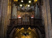 Binnenland van Kathedraal van het Heilige Kruis en de Heilige Eulalia, op 31 Maart, 2013 in Barcelona, Spanje Royalty-vrije Stock Afbeeldingen