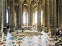 Binnenland van Kerk in abdij Mont Saint Michel Stock Fotografie