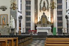 Binnenland van kerk Notre-Dame aux rijkdom-Claires Stock Foto's