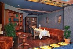 Binnenland van luxerestaurant Stock Foto's