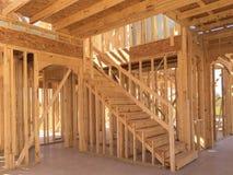 Binnenland van nieuw twee vloerenhuis in aanbouw Stock Afbeelding