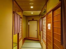 Binnenland van ryokan luxerestaurant stock foto's